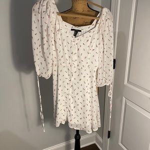White dress w/ rose print 🥀